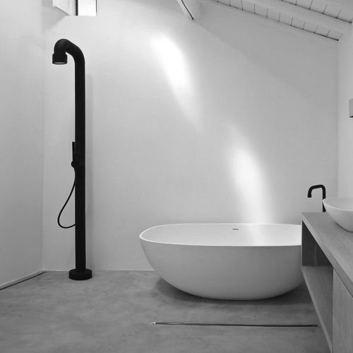 Jee-O Soho Shower Stand by Michel Cesar