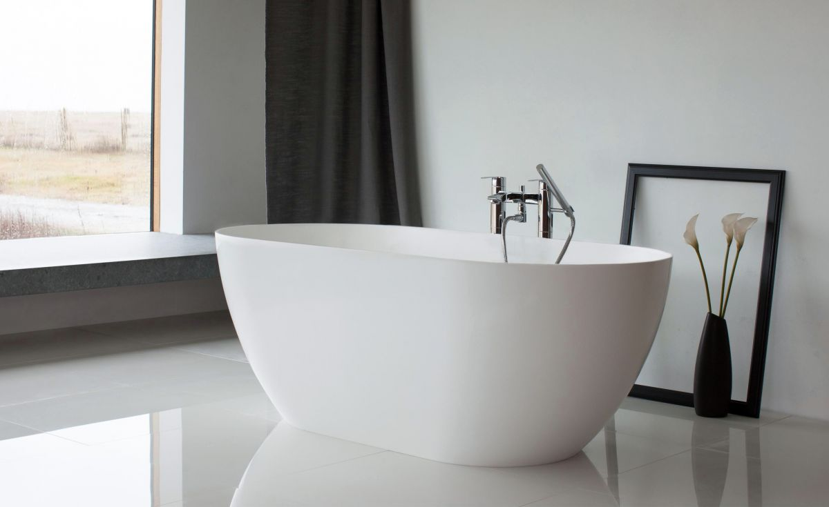 Form Clearstone Freestanding Bath