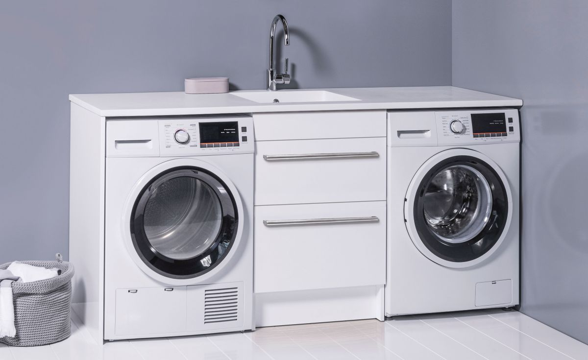 600 Laundry Cabinet
