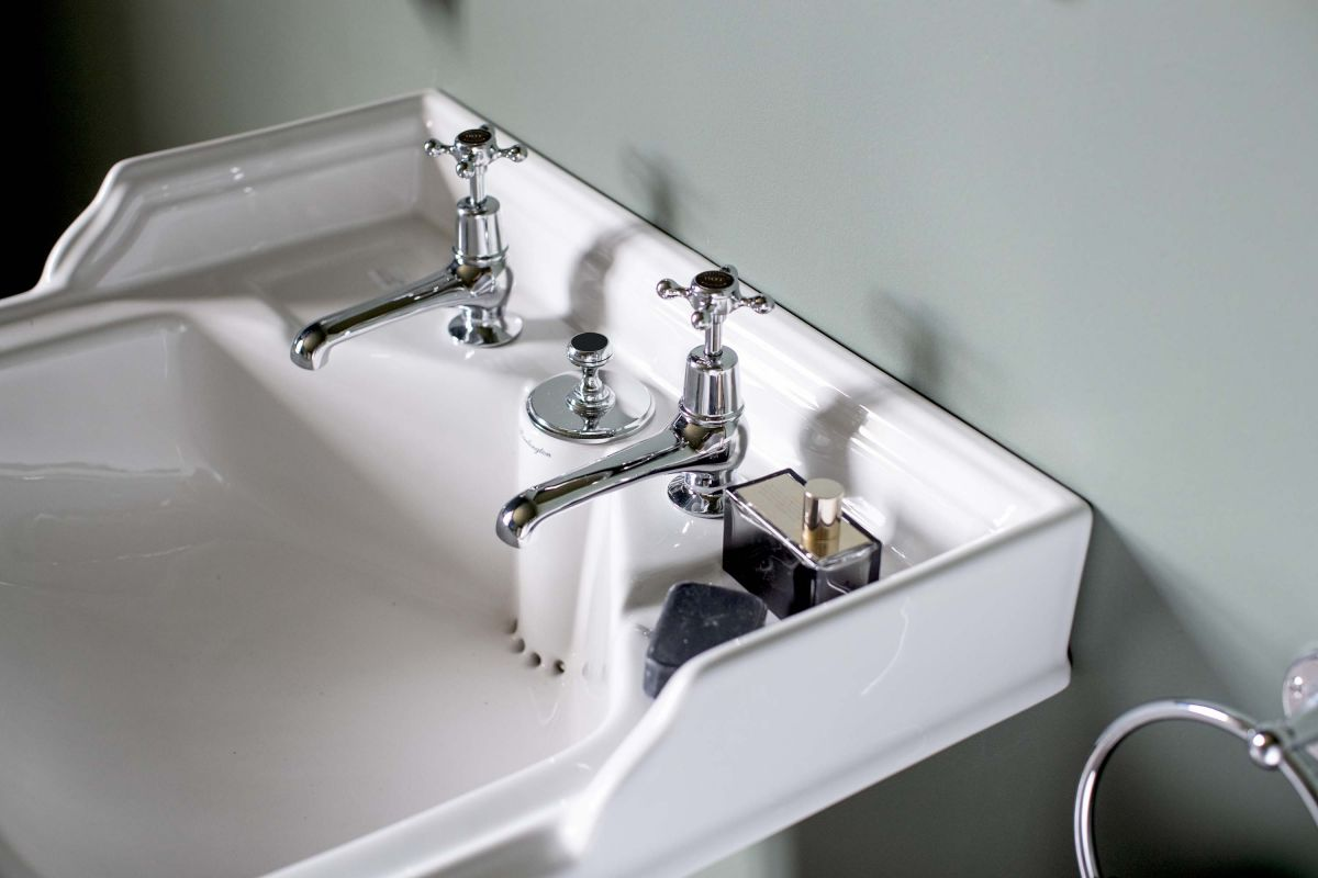 Classic Basin Invisible Overflow & Waste