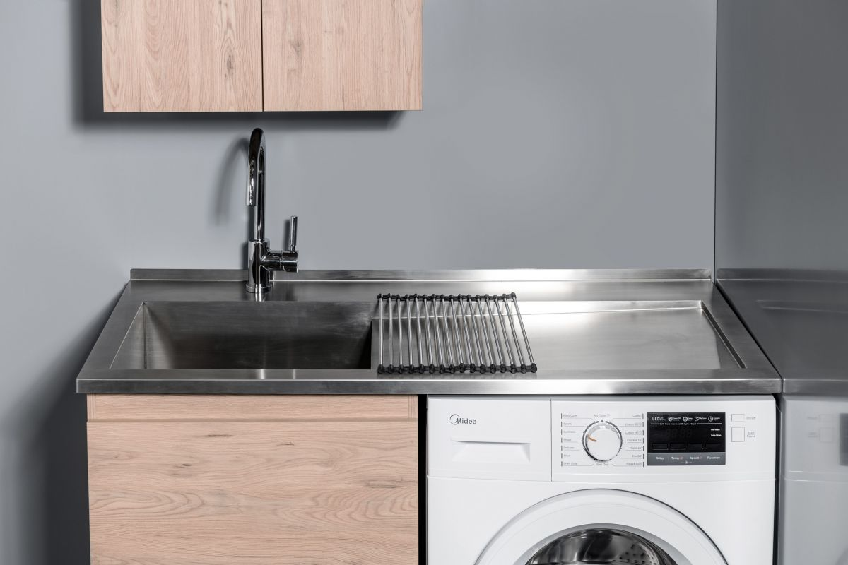 Horoi Top with 600 Laundry Cabinet