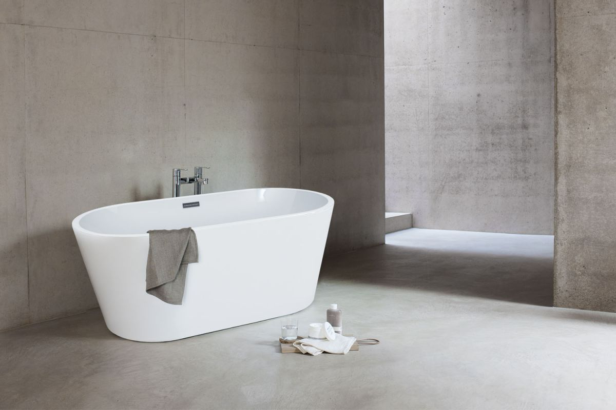 Relax White Freestanding Baths