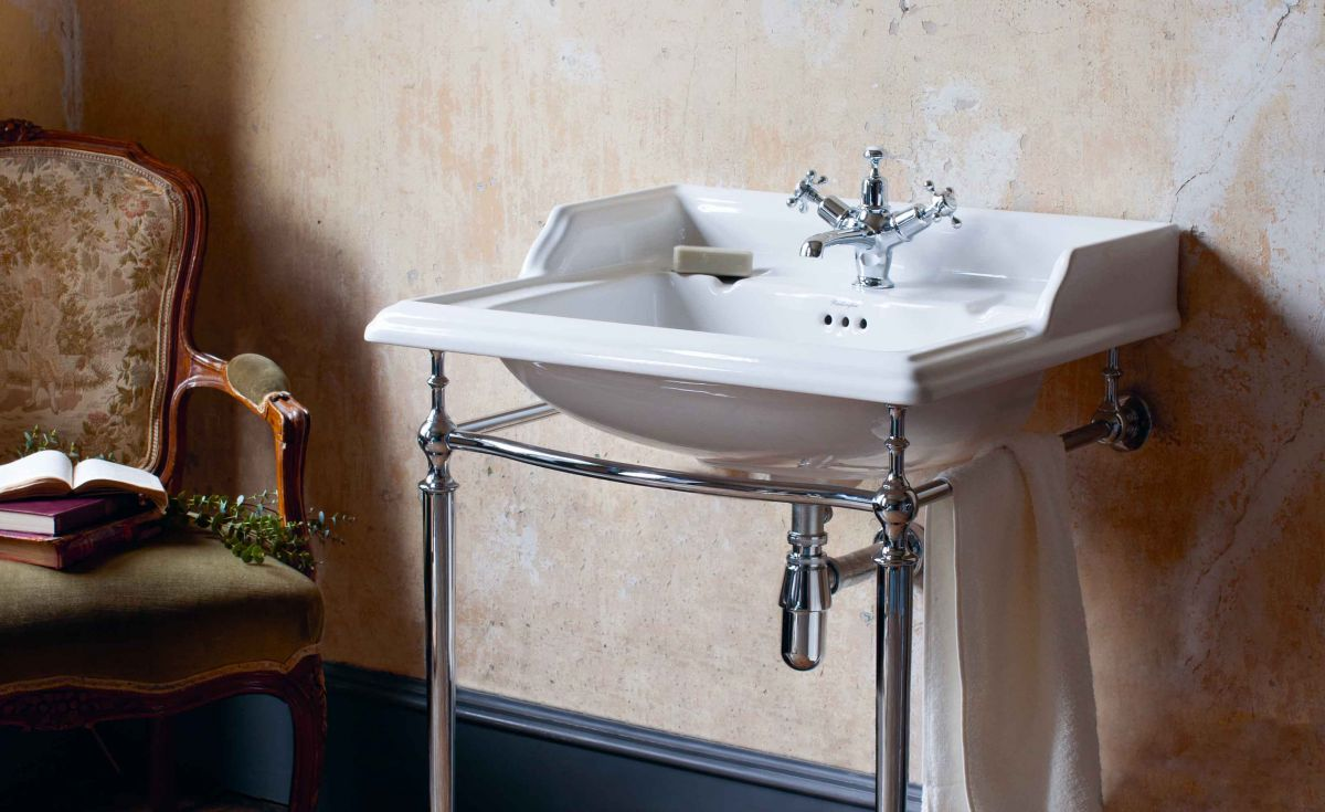 Classic Rectangle 650 Basin & Chrome Wash Stand