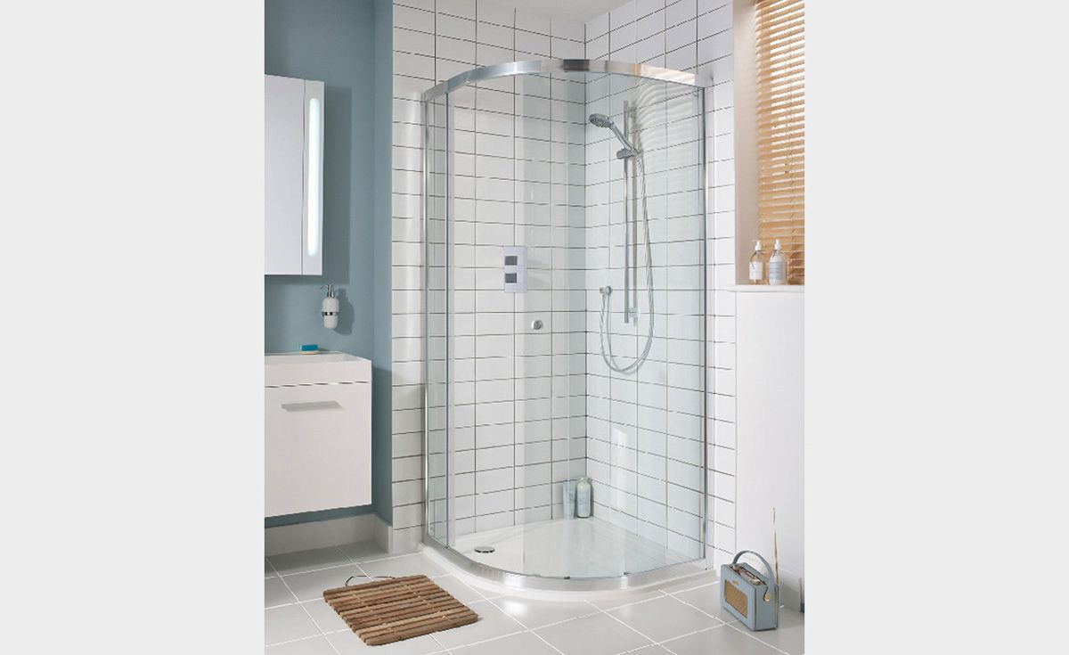 Lucca Quadrant Sliding Shower