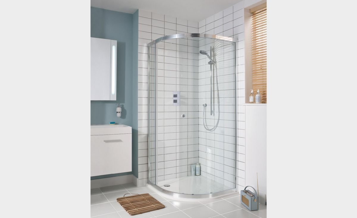 Lucca Quadrant Sliding Showers