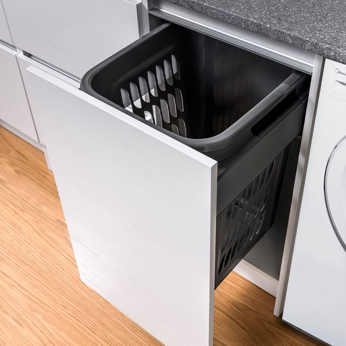 Pull-out hamper with grey bin