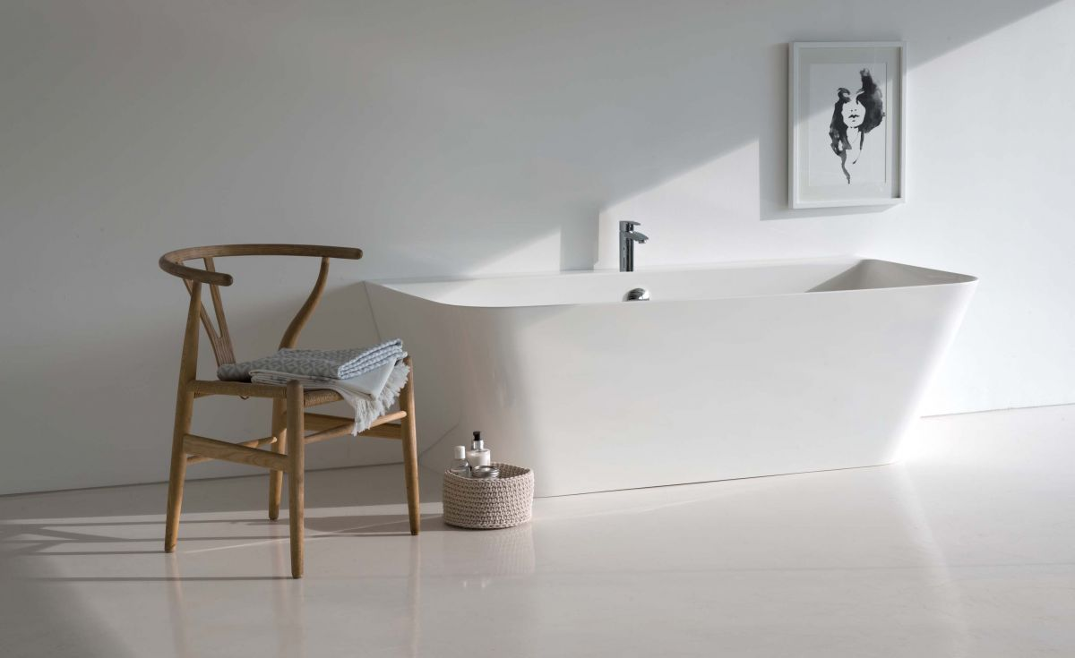 Patinato Clearstone Back-to-Wall Bath